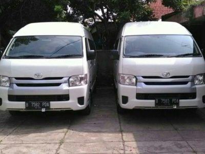 Sewa Hiace Jakarta free wifi 08111102519